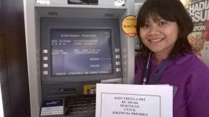 Perwakilan Serikat PRT Sapu Lidi Jakarta. Mereka menyumbang 'koin untuk Jokowi.' di visi misi Jokowi JK lah tertera perlindungan PRT dan UU Perlindungan PRT. 'Koin untuk Jokowi' juga disumbangkan di wilayah lain seperti Semarang, Jogja, dll, bertepatan dengan tanggal 16 Juni, Hari PRT Internasional